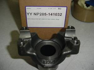 Yokes - NP205 Yokes - Yukon Gear & Axle - YOKE - NP 205 1410 32 SPLINE TRANSFER CASE (YY NP205-141032)
